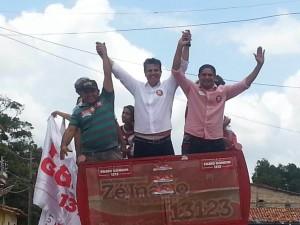 Em Cururupu Zé Inácio segue em carreata acompanhado das principais lideranças da cidade.