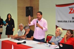 Zé Inácio reúne em Seminário Senador Humberto Costa e a ex-deputada Helena Heluy para discutir mandato parlamentar.