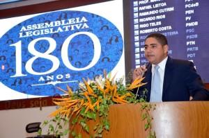 Zé Inácio parabeniza a Assembleia Legislativa pelos 180 anos.