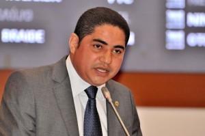 O presidente da Comissão dos Direitos Humanos e das Minorias, Ze Inácio entra com representação junto ao Ministério Público e Procon.