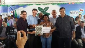 Zé Inácio (PT) entrega Selo quilombola para liderança do quilombo Rio Grande, de Bequimão.