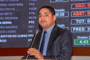 Deputado Zé Inácio destaca as constantes ameaças que os funcionários do Ibama estão sofrendo.